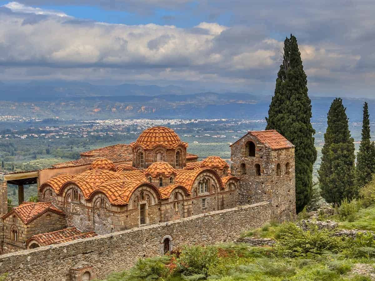 castles in greece mystras