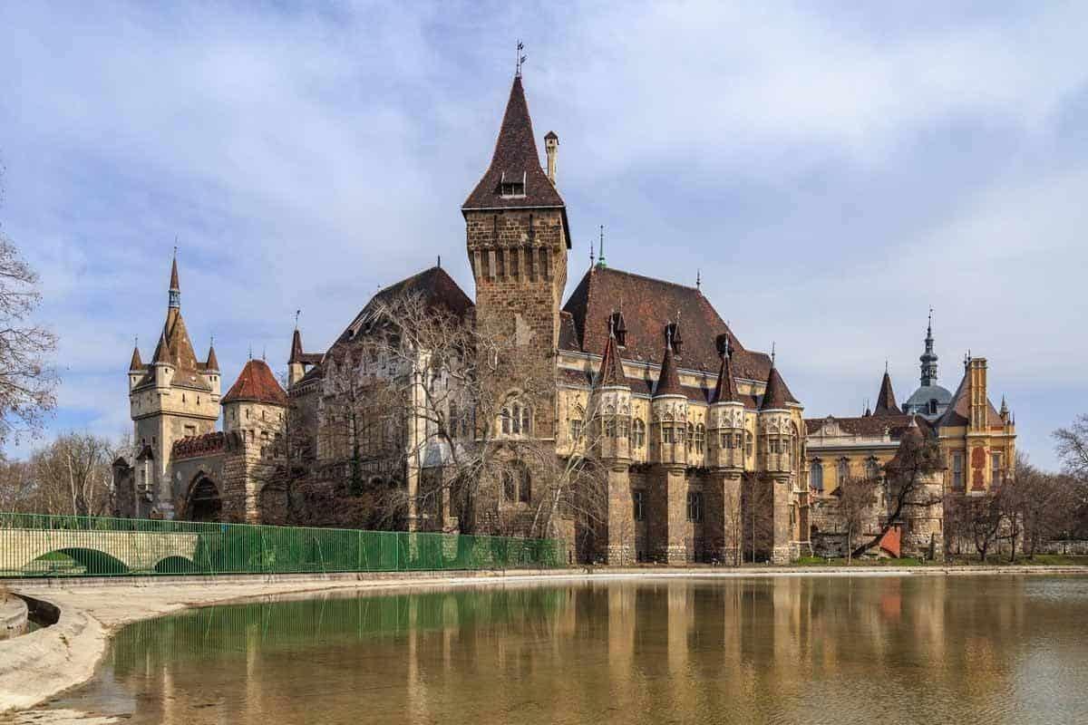castles in hungary vajdahunyad castle