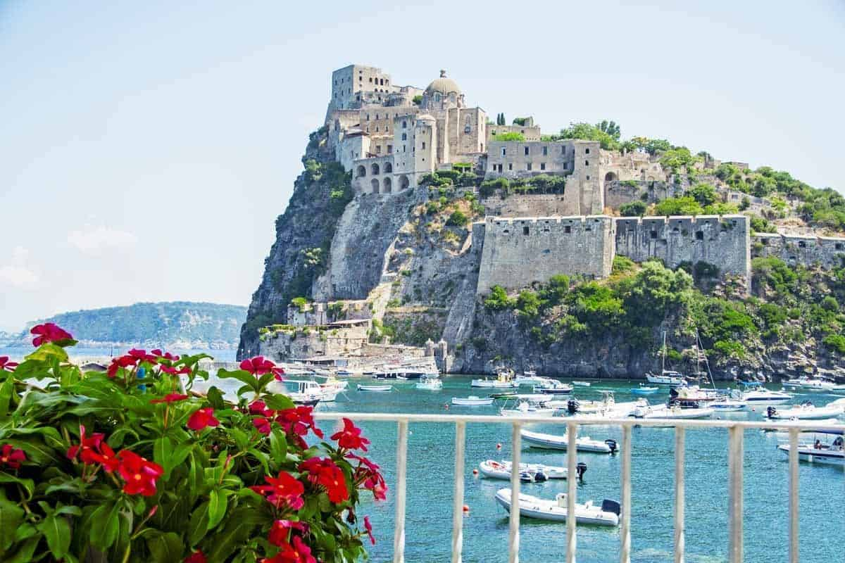 castles in italy aragonese castle