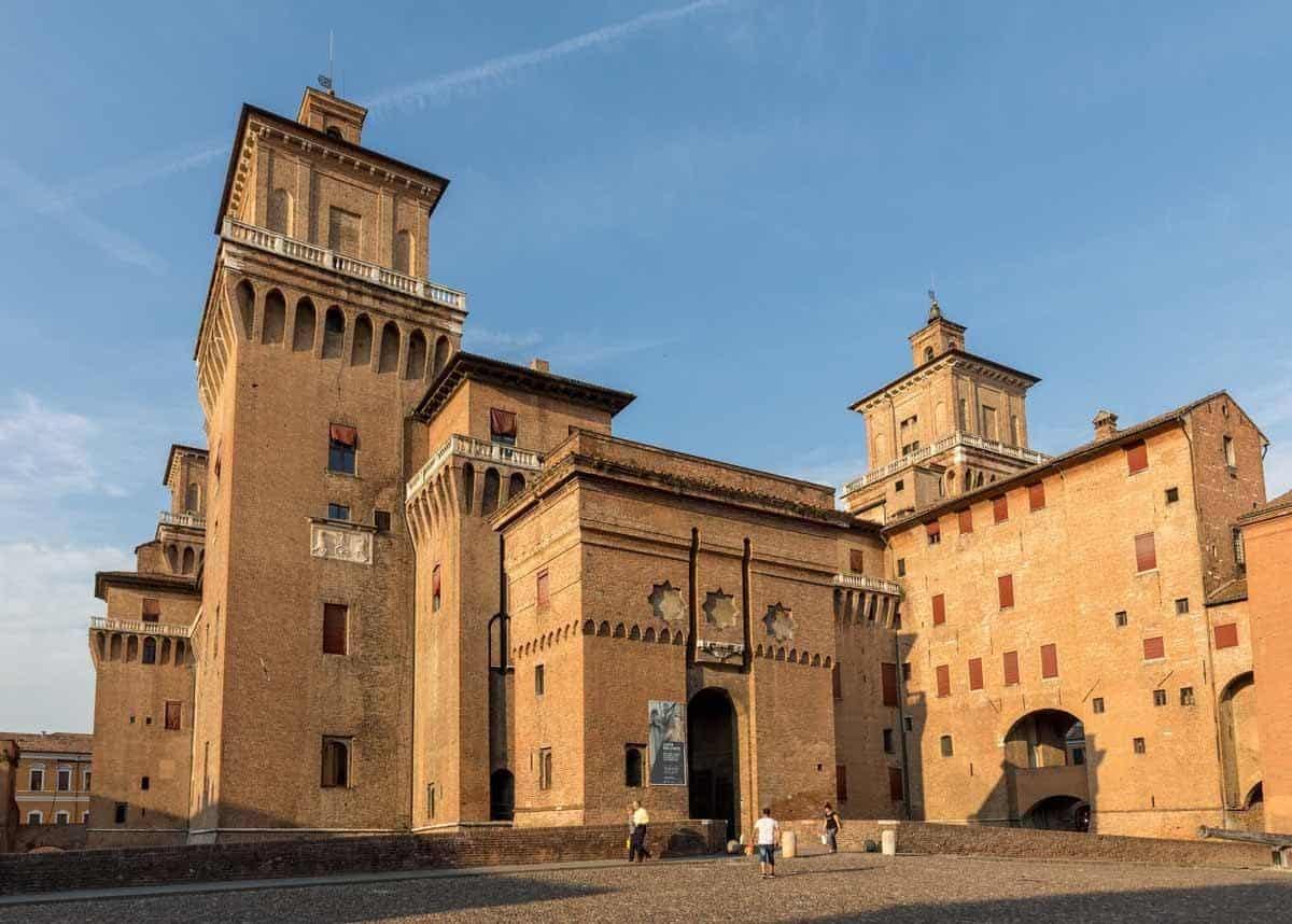 castles in italy castello estense