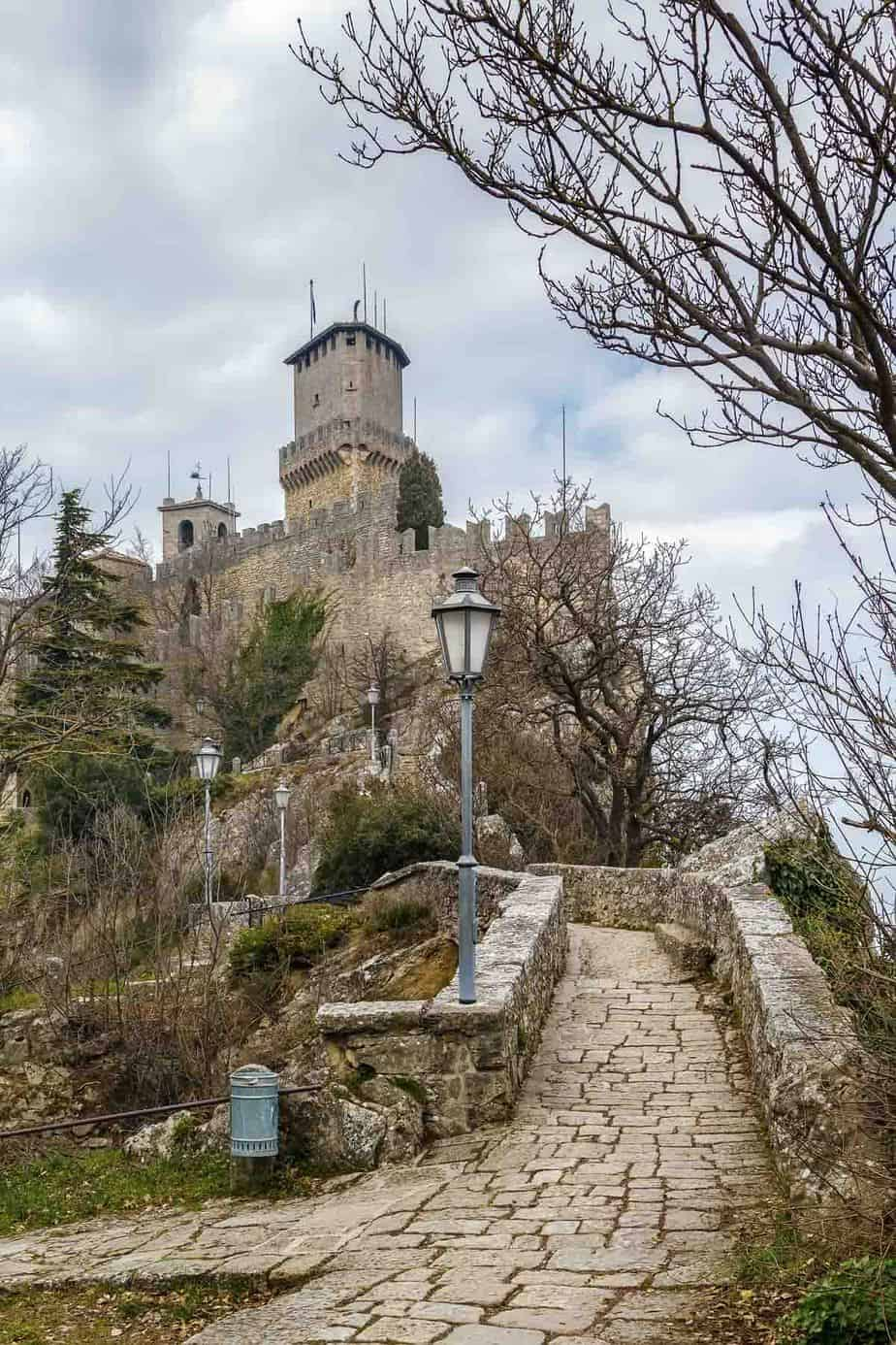 castles in italy three towers of san marino guaita