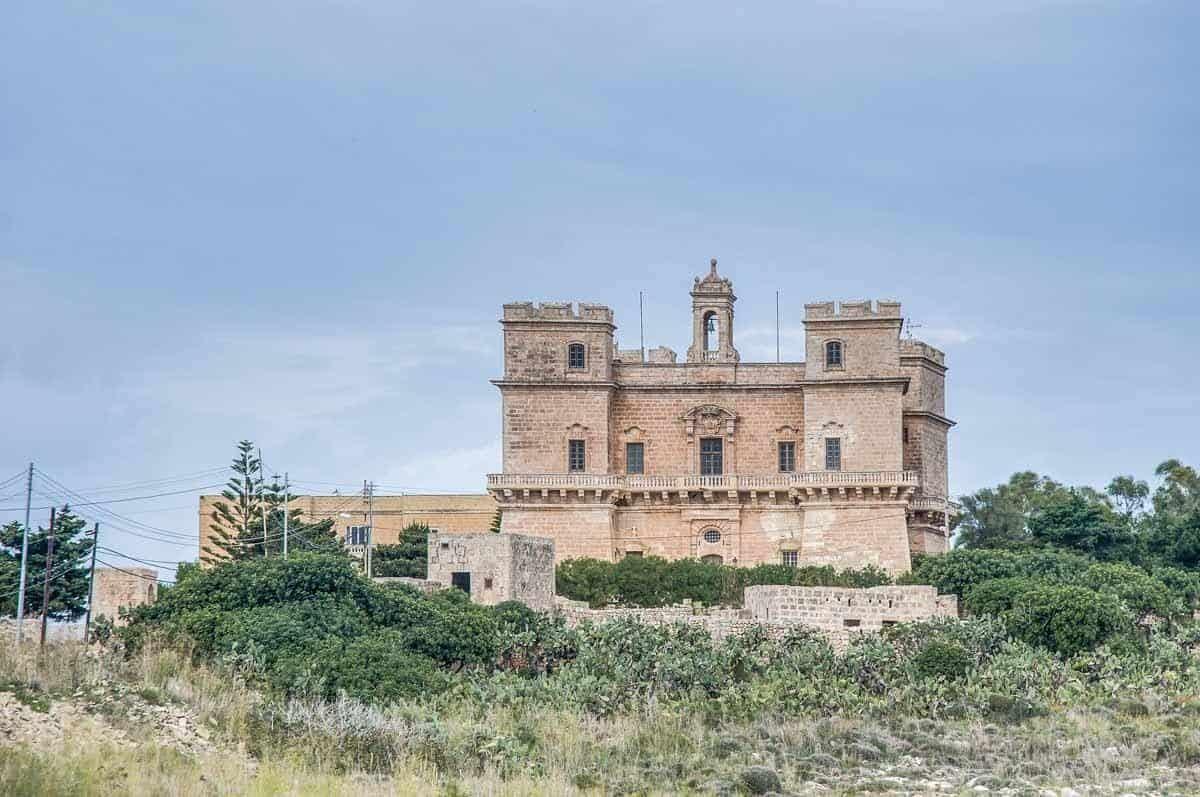 castles in malta selmun palace