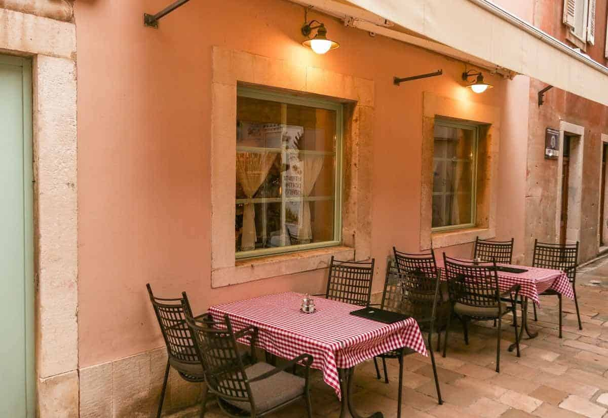 top tourist attractions in zadar croatia reataurant