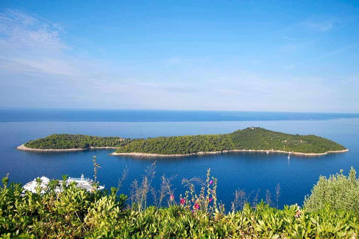 top tourist attractions in dubrovnik croatia lokrum island