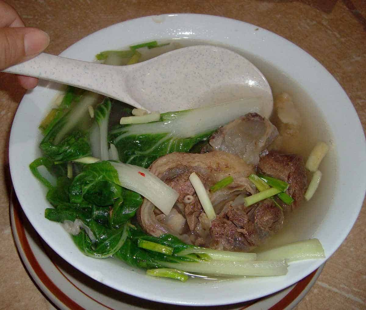 top tourist attractions in tagaytay the philippines bulalo
