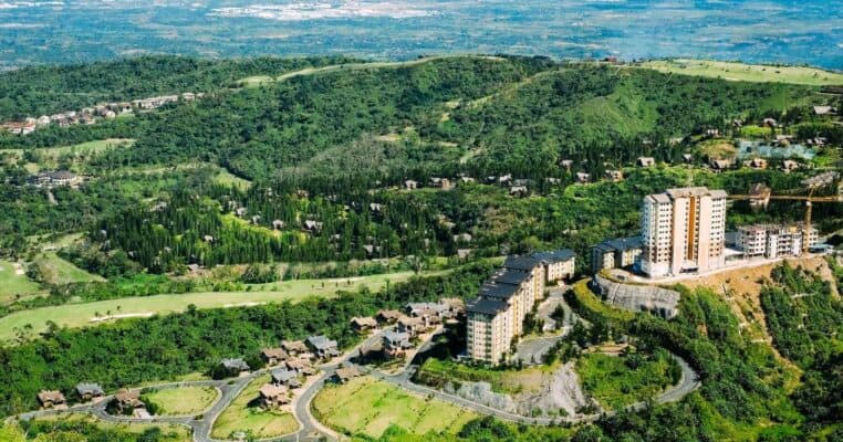 top tourist attractions in tagaytay the philippines featured
