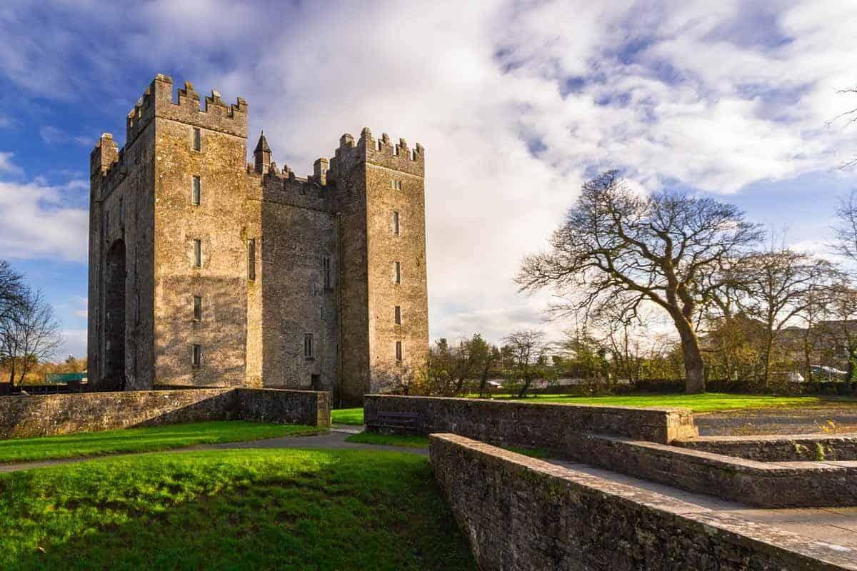 castles in ireland bunratty castle