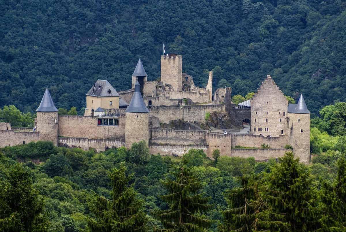 castles in luxembourg bourscheid castle
