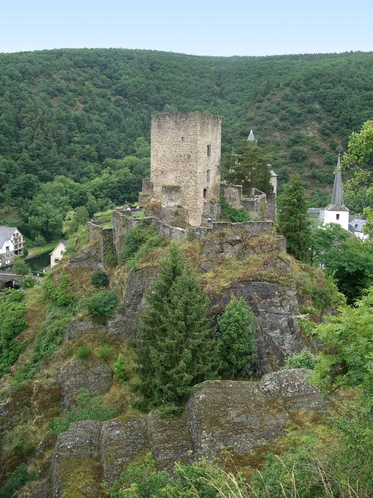 castles in luxembourg esch-sur-sure castle