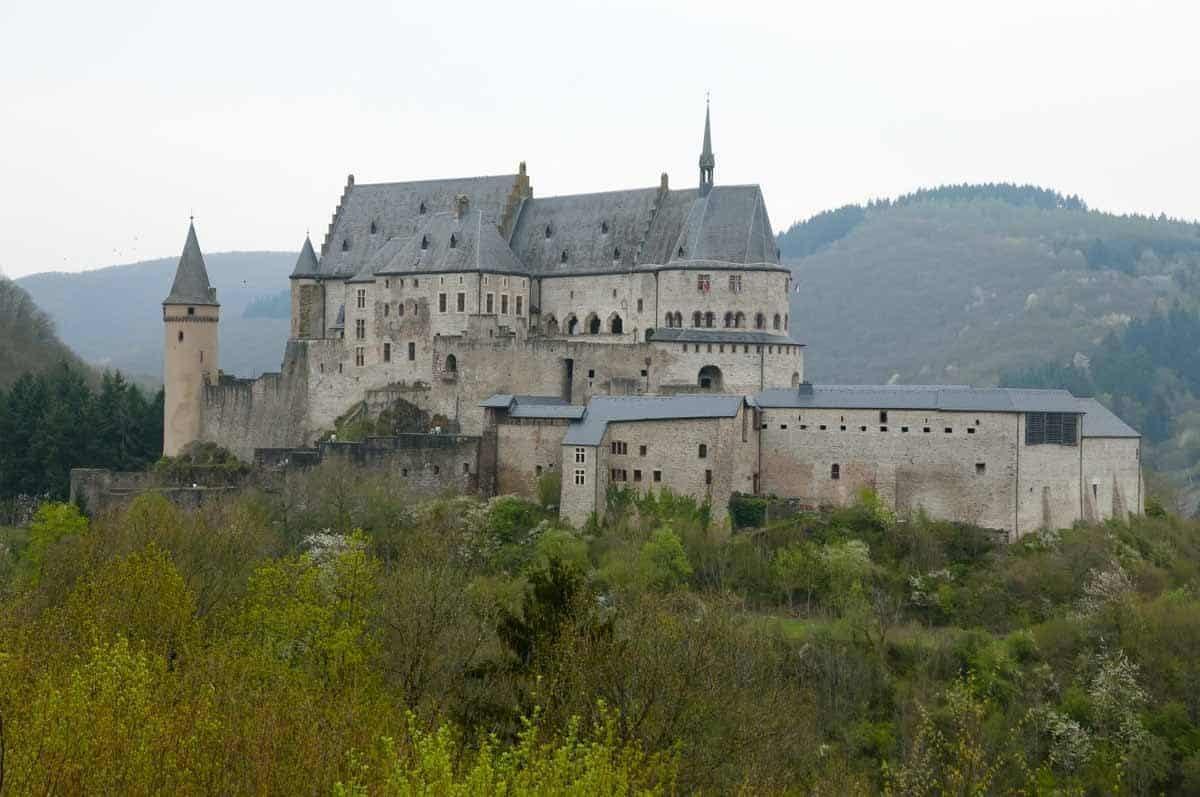 castles in luxembourg vianden castle