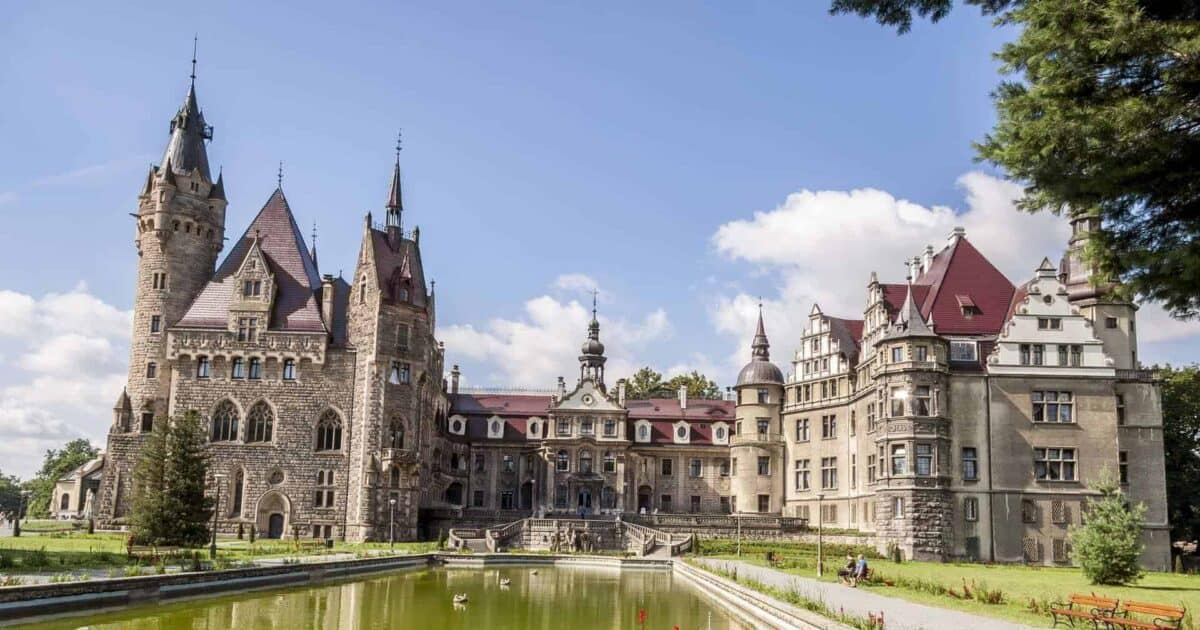 castles in poland featured