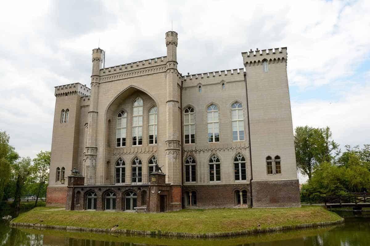castles in poland kornik castle