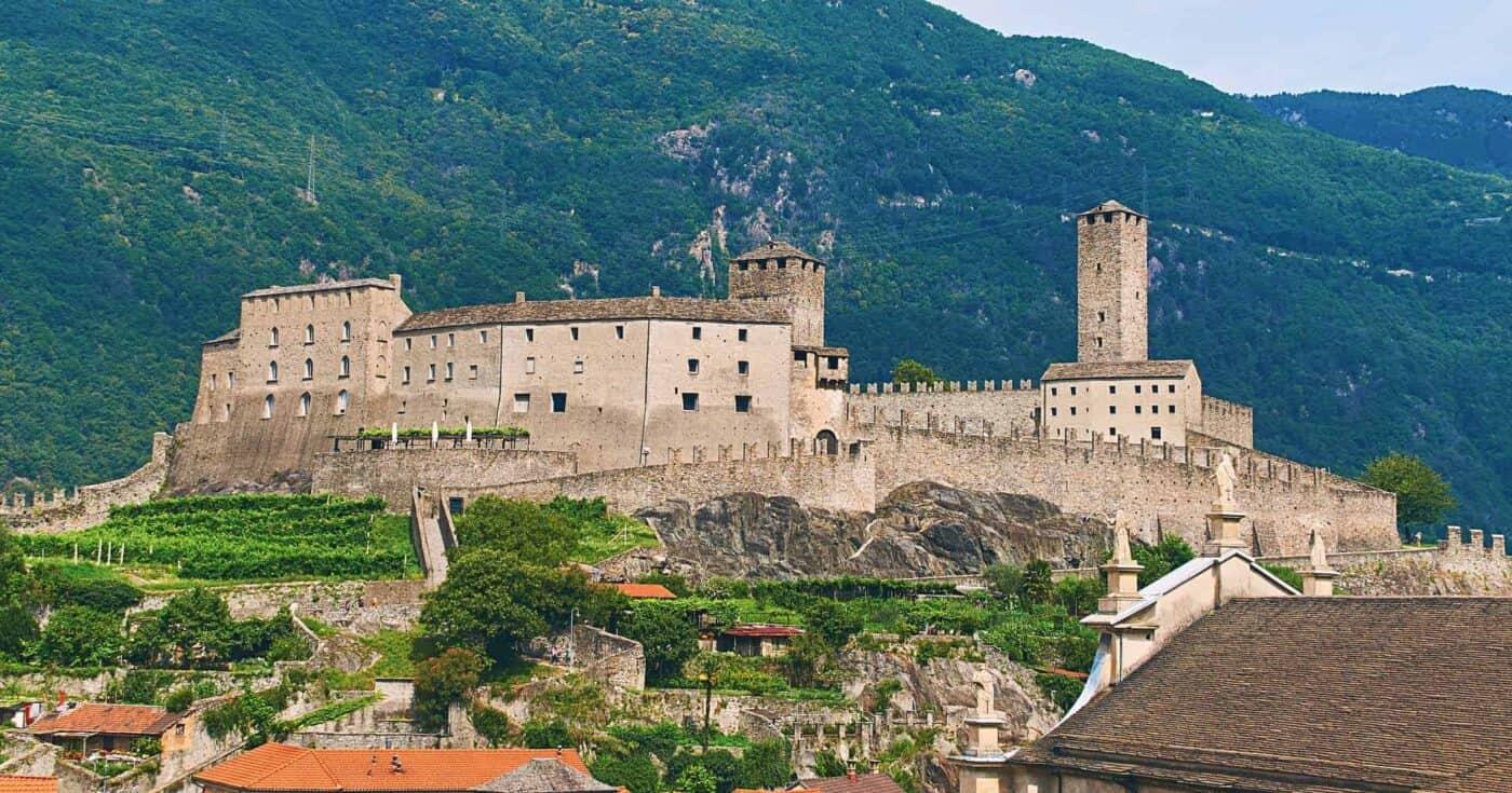 castles in switzerland featured