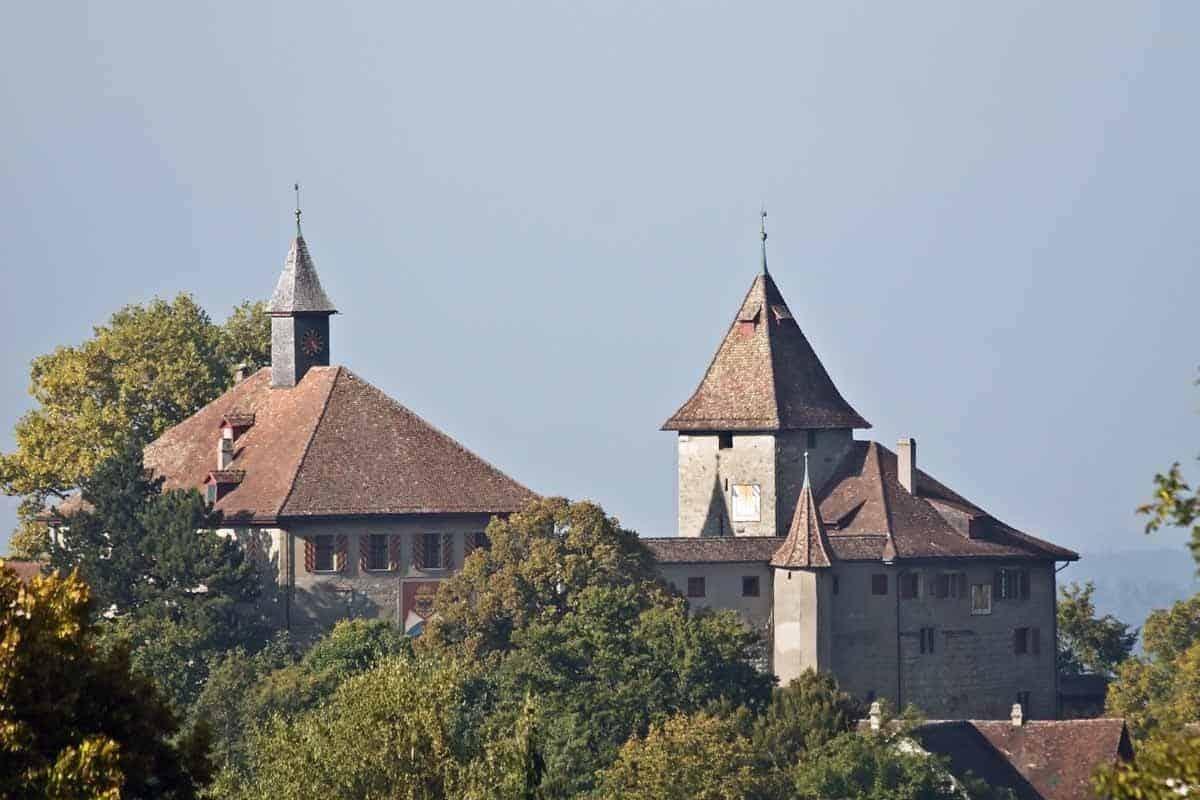 castles in switzerland kyburg castle
