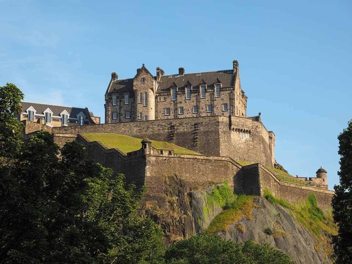 castles in the united kingdom edinburgh castle scotland