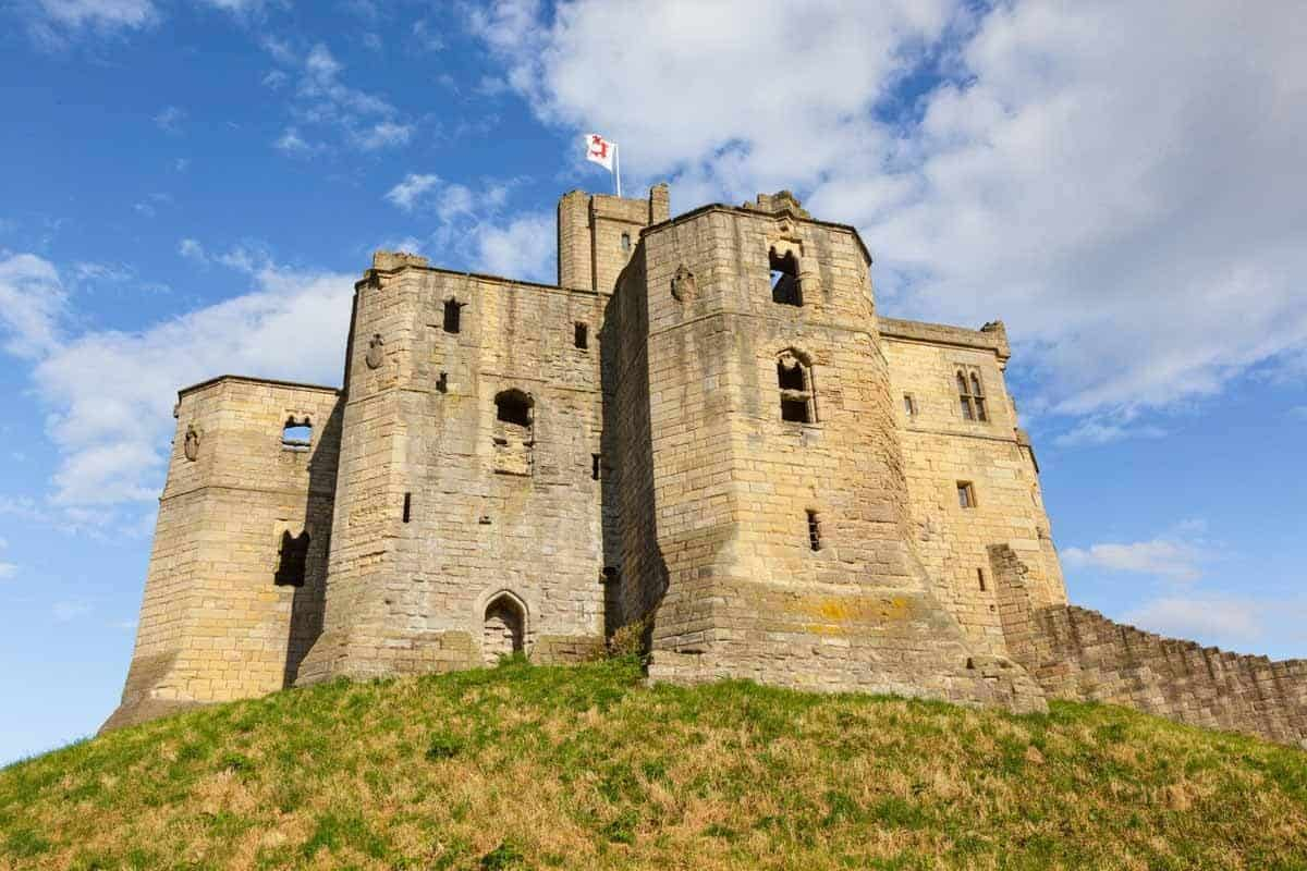 castles in the united kingdom warkworth castle england