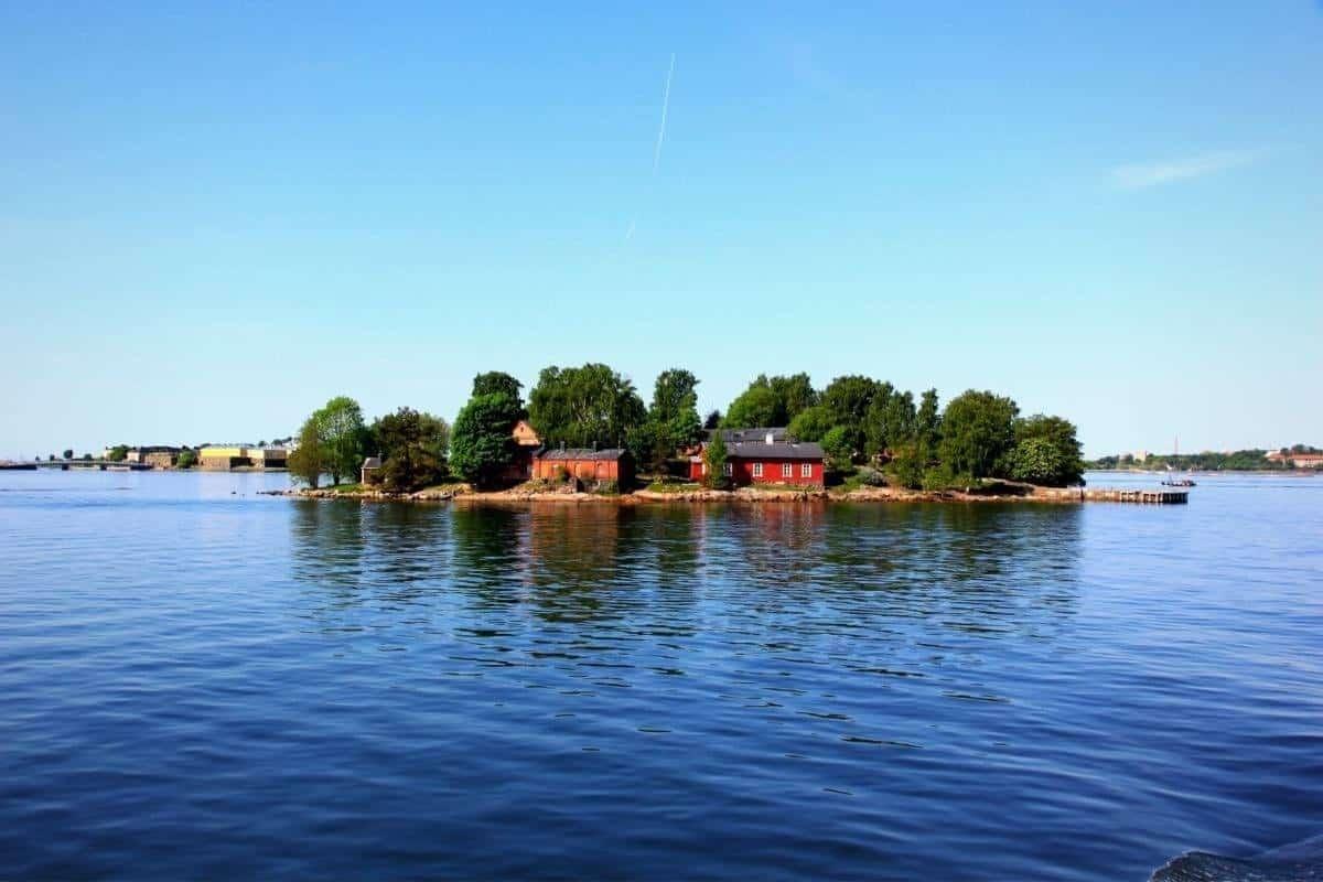 Lonna Island