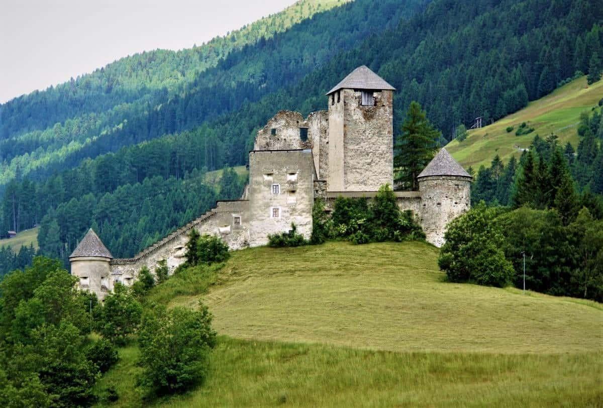 Burg Heinfels Austria