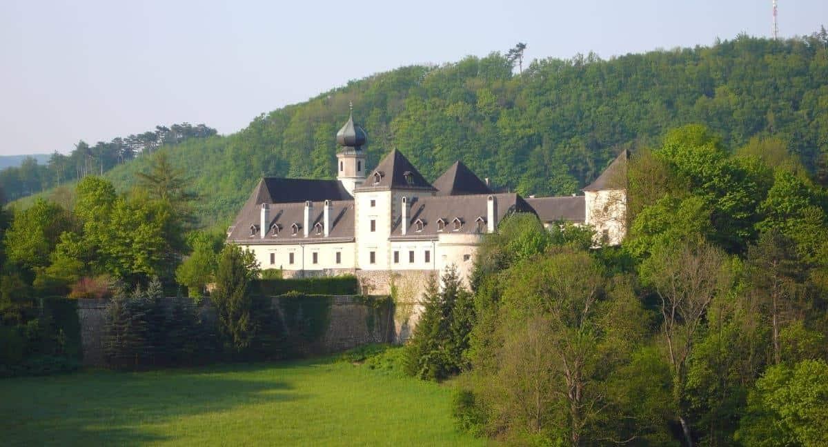 Burg Neuhaus in Weissenbach austria