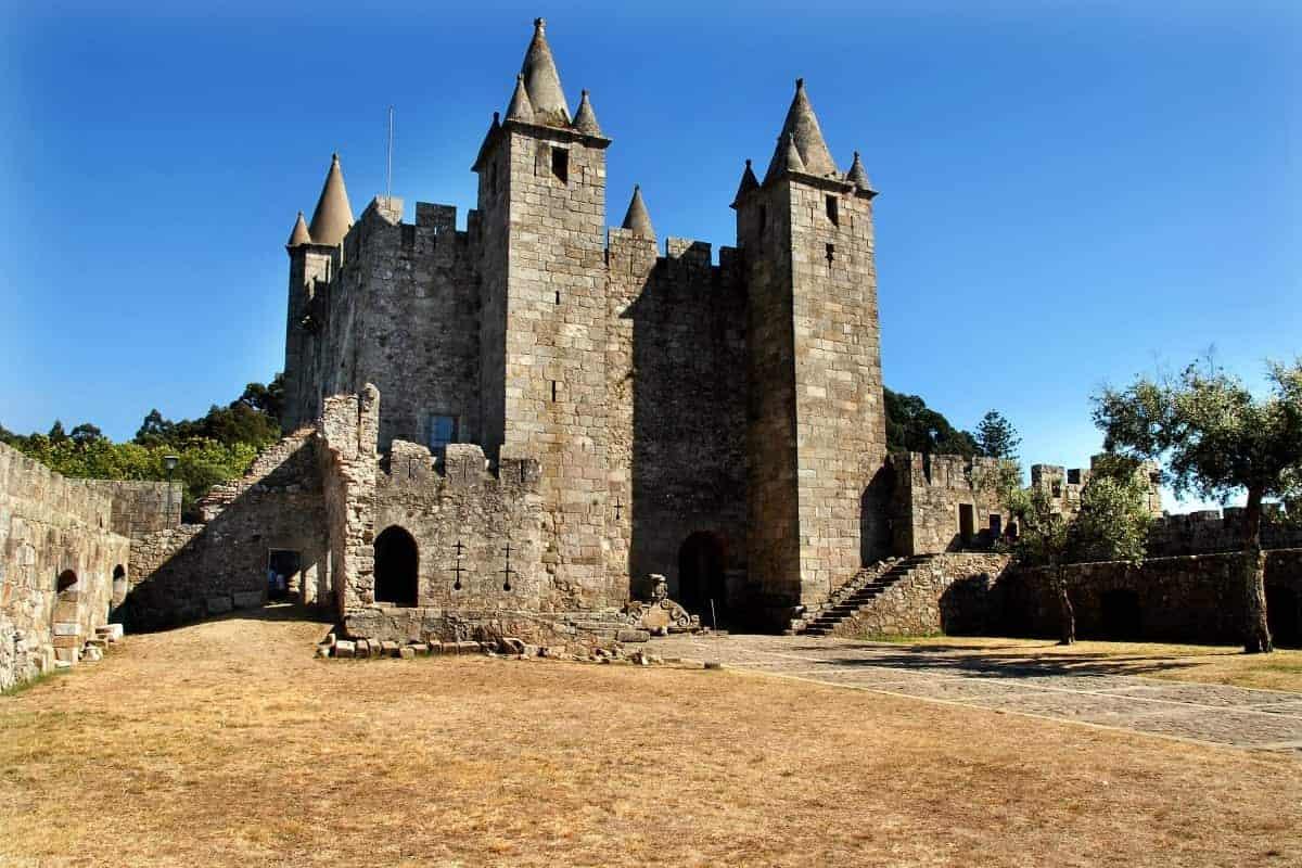 Castelo de Santa Maria da Feira Portuga