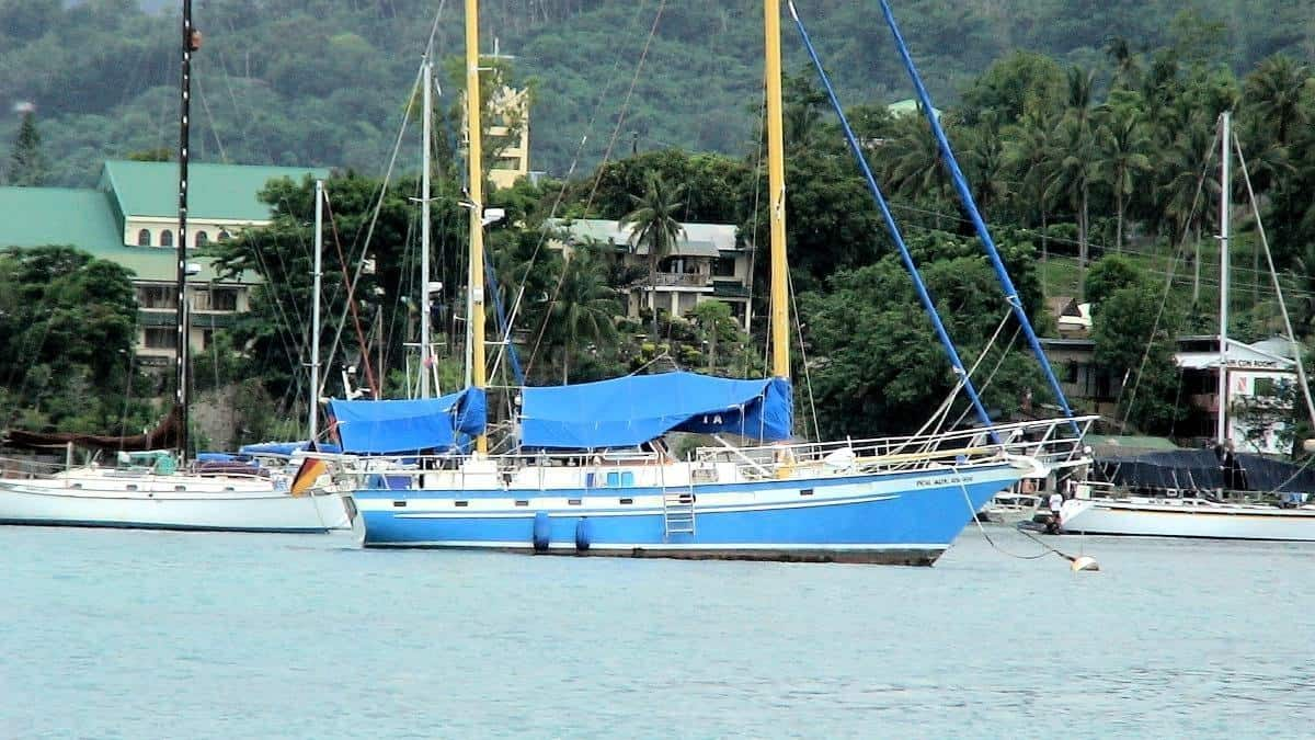 Sailboat Muelle Bay Puerto Galera