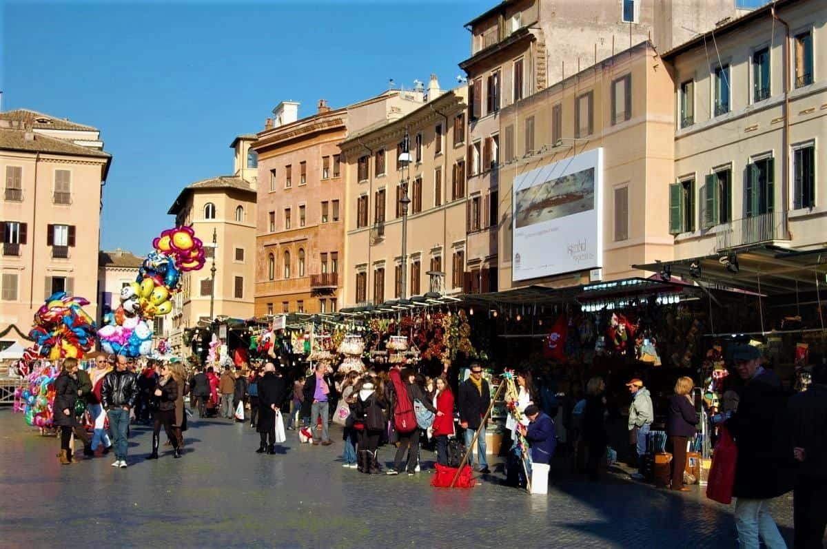 iPiazza Navona Christmas market rome italy