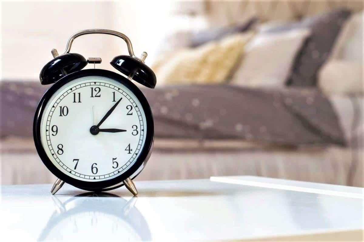 Long haul flight tips alarm clock