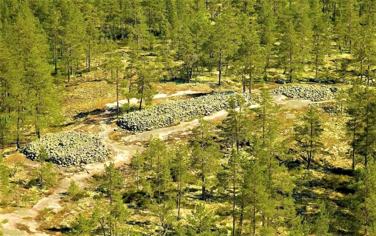 Sammallahdenmäki Bronze Age Burial Site