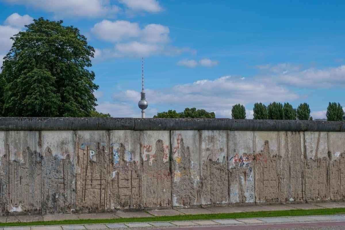 top tourist attractions in berlin germany berlin wall