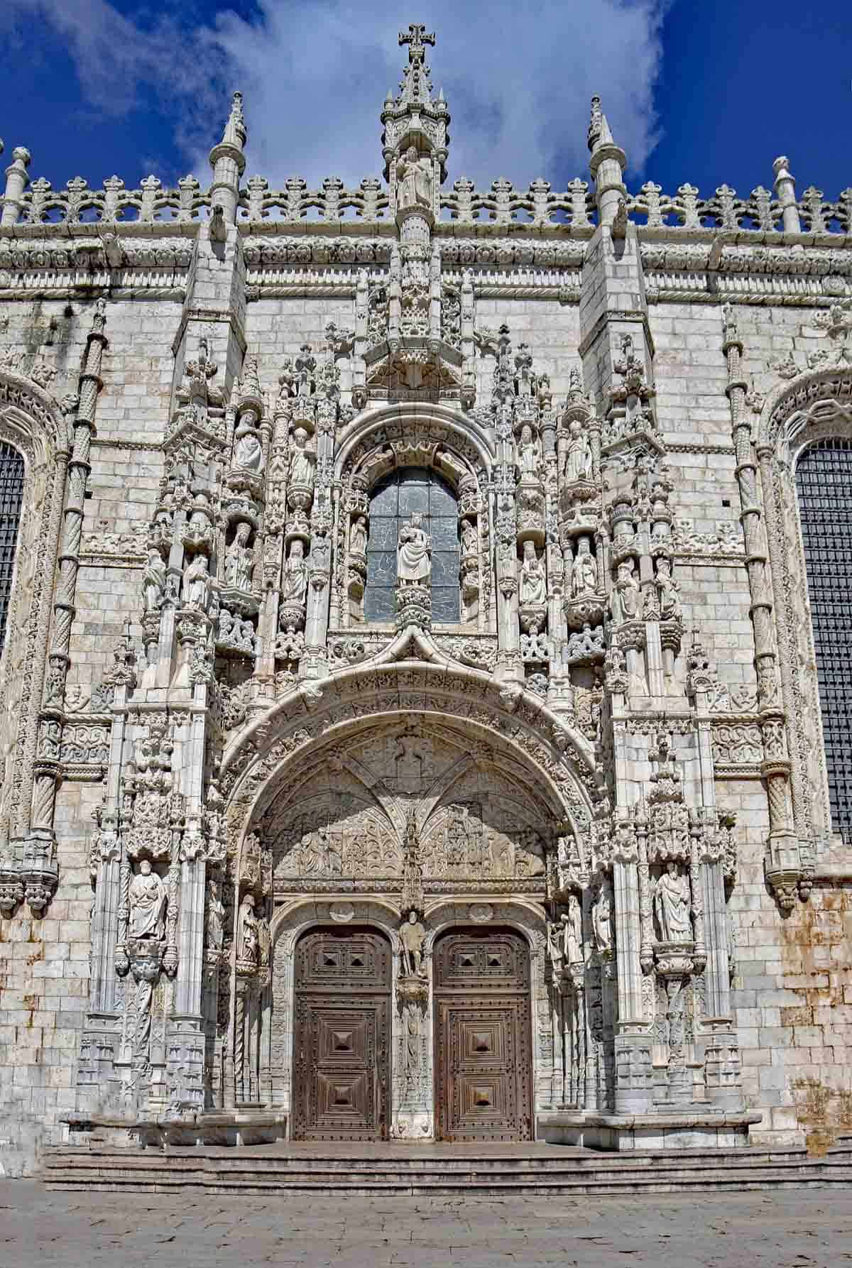top tourist attractions in lisbon portugal mosteiro dos jeronimos
